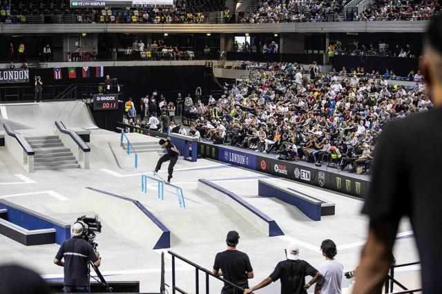 images/joomgallery/originals/fotogallery_8/skateboarding_28/world_skate_sls_london_2018_77/large/medium/sls_2018proopen_kelvinhoefler_kickflipfsblunt_justincrawfordphoto_web_20180626_1852557686.jpg